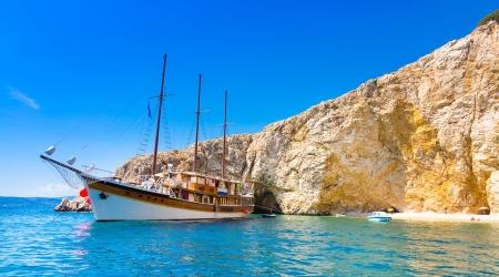 Zlatne stijene - Golden Rocks - by kayak to the most beautiful beaches in the world